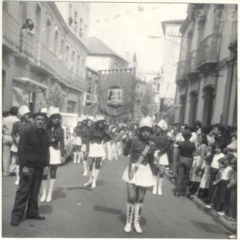 1970-riveira-desfile-wm